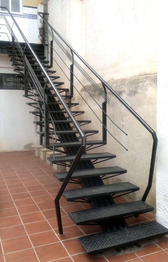 Chiralt arquitectos valenciamis 10 mejores escaleras for Escaleras metalicas