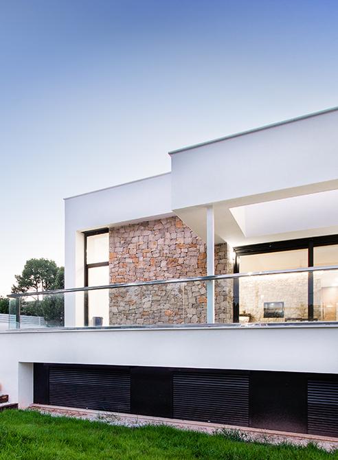 Chiralt arquitectos valenciacasa gerard una vivienda for Viviendas sobre terrazas