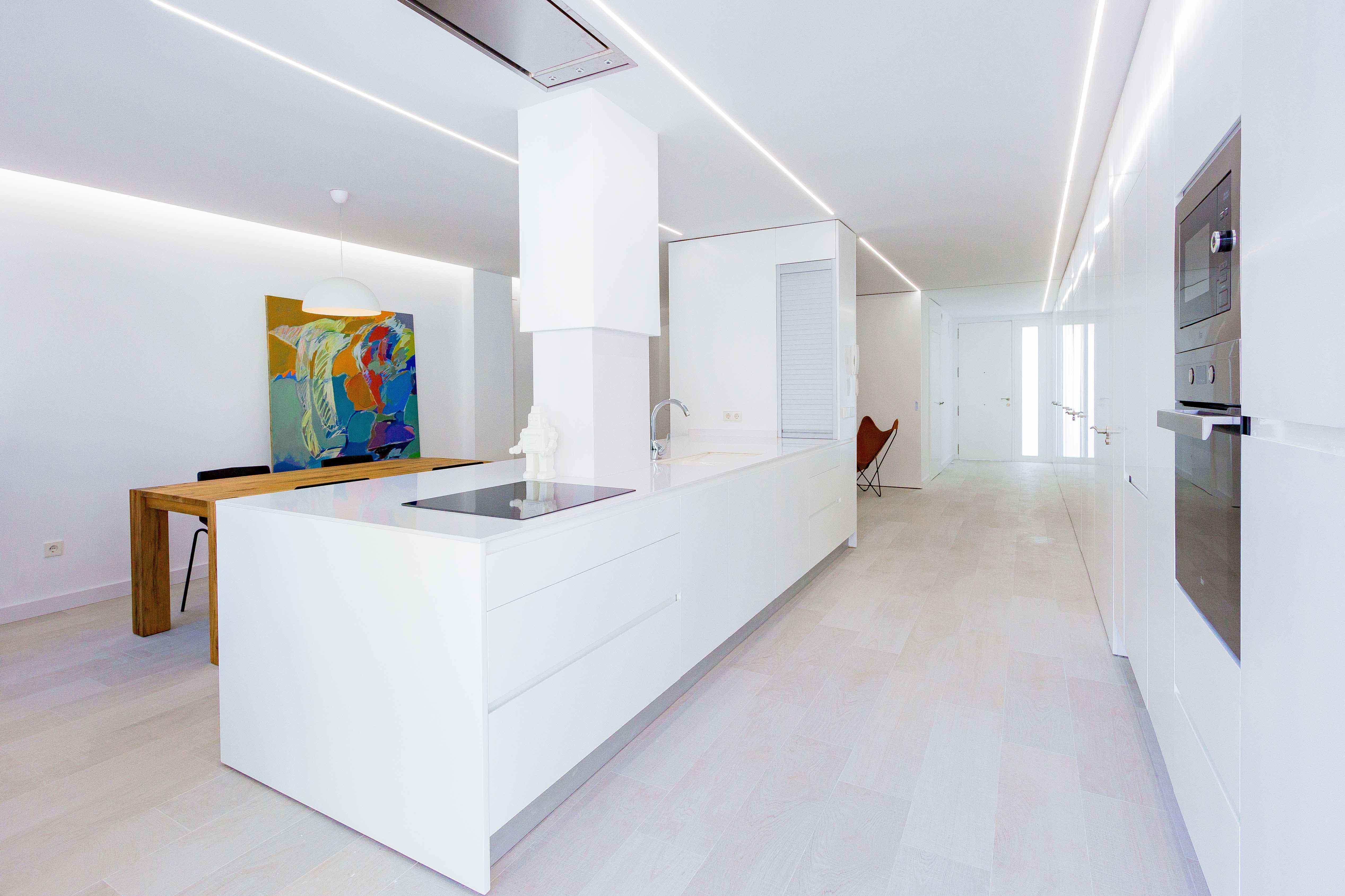 Cocina office en reforma de casa low cost. Chiralt Arquitectos Valencia.