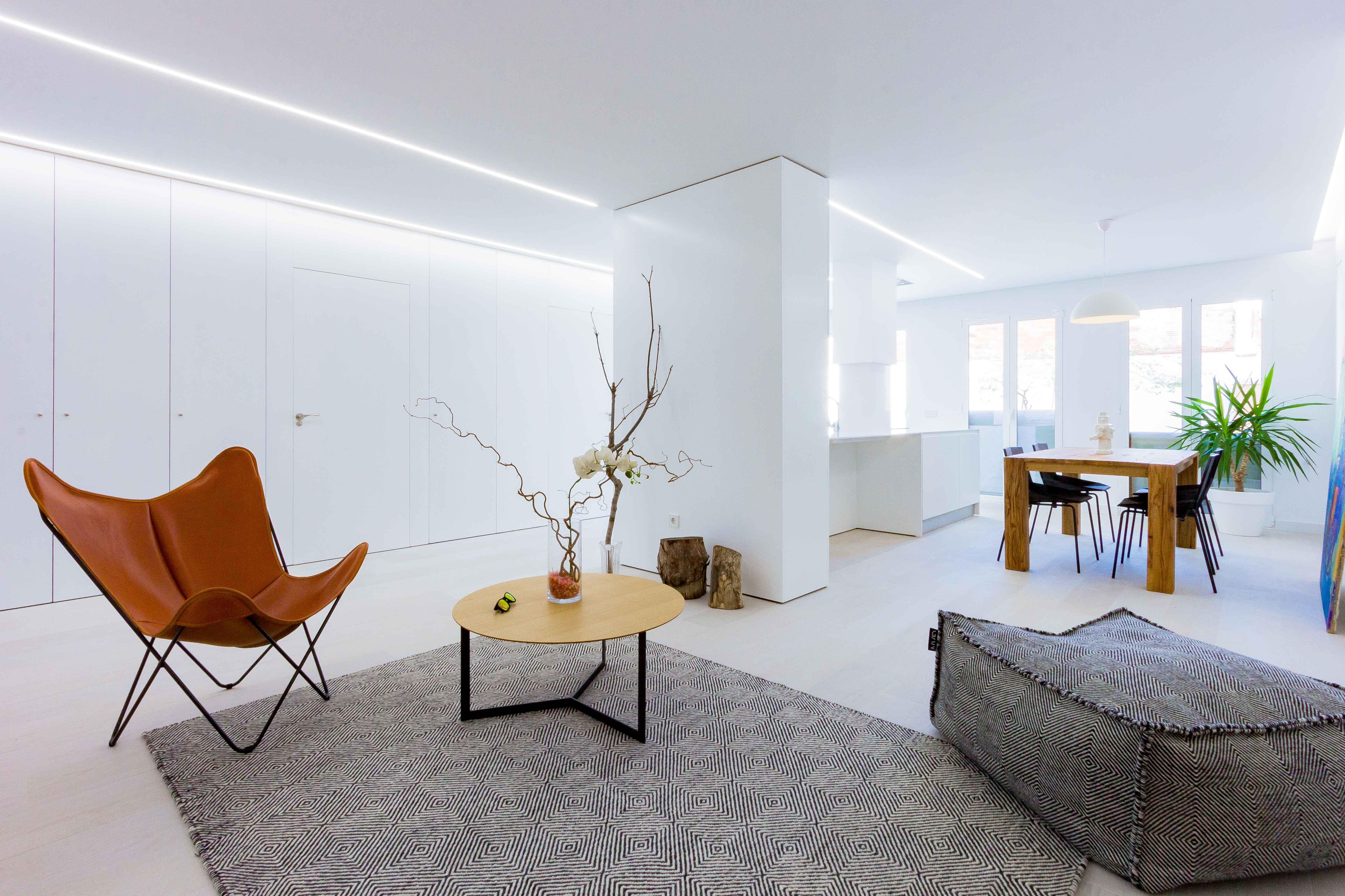 Reforma de casa minimalista estilo nórdico. Chiralt Arquitectos Valencia.