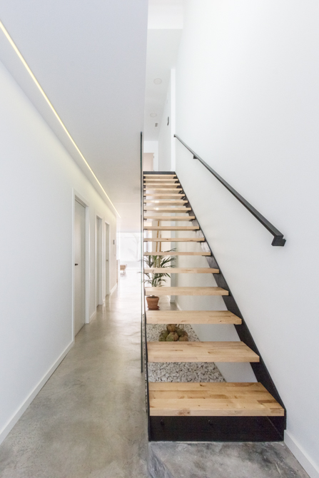 Chiralt arquitectos valenciacastell una vivienda estilo n rdico chiralt arquitectos - Escaleras para viviendas ...