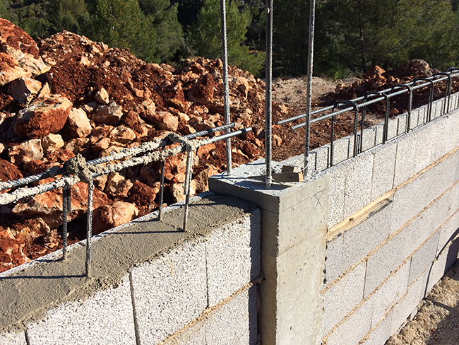 Obras vivienda mediterránea en Orba - Alicante, en la montaña, realizada por Chiralt Arquitectos Valencia.